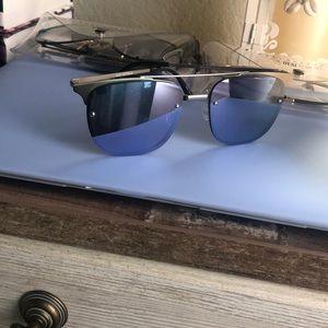 QUAY AUSTRALIA - Purplish Blue Reflective Sunnies
